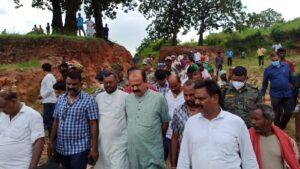 भाजपा के प्रतिनिधिमंडल ने मृतकों के गांव जाकर शोकाकुल परिजनों को ढाढ़स बंधाया