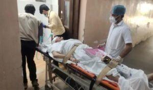 एमजीएम अस्पताल के डॉक्टर अमित सिंह ने अपने घर पर खेल-खेल में खुद पर चलायी गोली, हालत गंभीर