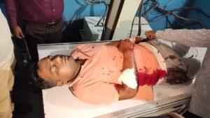 मौके पर बाघमारा SDPO निशा मुर्मू पहुंच गई है।धनबाद एसएसपी संजीव कुमार भी पहुंचने वाले हैं।SDPO ने मीडिया से  बात करते हुए मामले की जांच की बात कही है जबकि मृतक नीरज के पिता ने अमन सिंह गैंग पर हत्या की आशंका जताई है