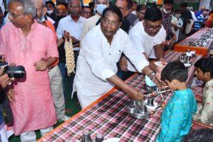 वित्तमंत्री रामेश्वर उरांव ने जैन धर्मावलंबियों का किया स्वागत