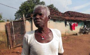 खून गांव के पाइरा मुर्मू, जिन्होने अपने गांव की बर्बादी अपनी आंखों से देखी है