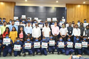 हेमन्त सोरेन ने कल्याण गुरुकुल खूंटी एवं जमशेदपुर में प्रशिक्षित 238 युवाओं को सौंपा नियुक्ति पत्र